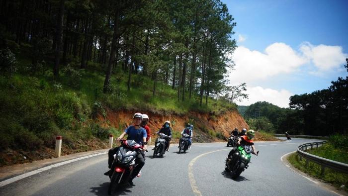 Chiêm bao thấy mình cùng bạn bè đi phượt bằng xe máy