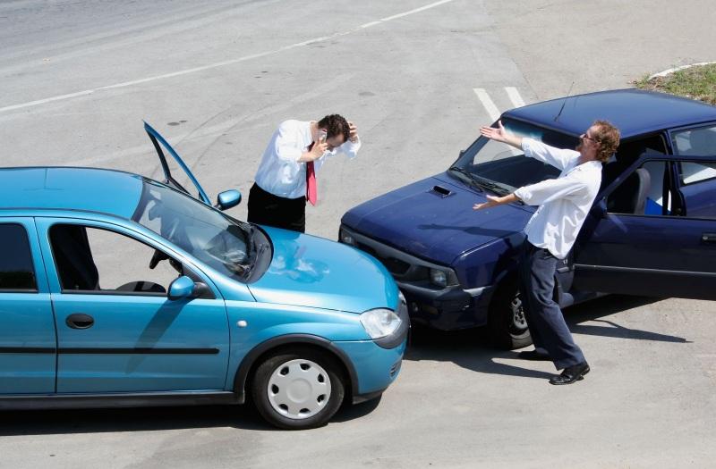 Chiêm bao thấy bị xe ô tô tông là điềm báo người mơ sắp nhận được quyết định thăng chức