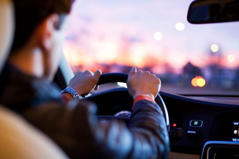 Chiêm bao thấy mình đang lái xe trên con đường gồ ghề chốt nhanh cặp số 10 - 79
