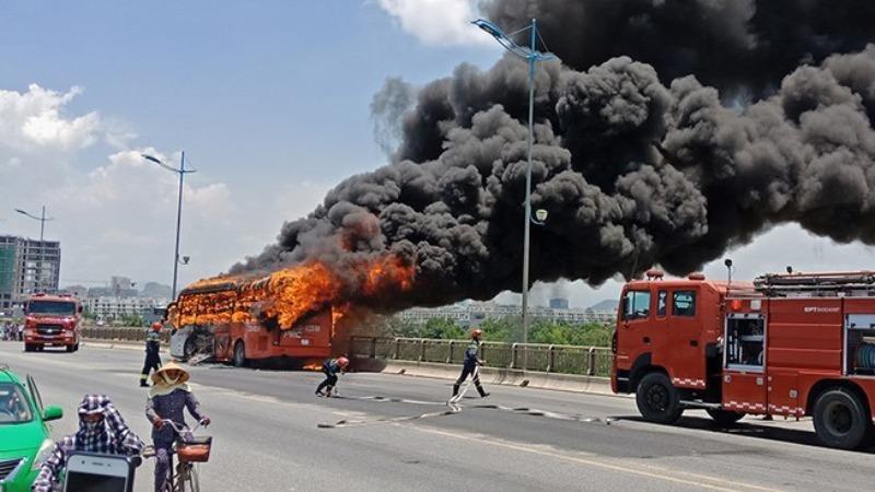 Mơ thấy xe khách đang đi trên đường bị nổ hãy ghi nhanh cặp số 26 - 40.